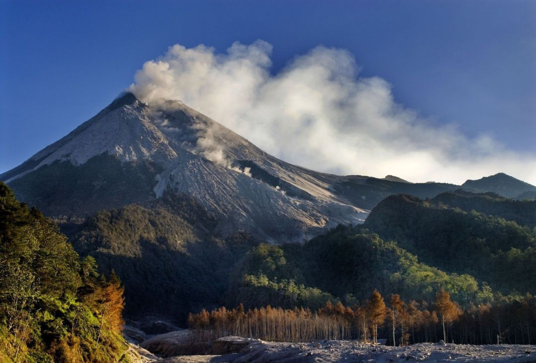 volcán-Merapi-isla-de-Java
