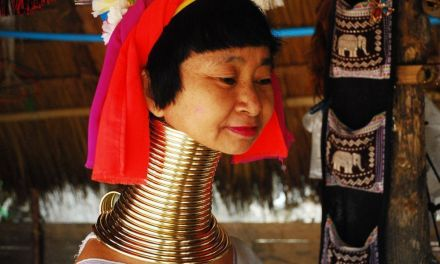 LAS MUJERES JIRAFA DE TAILANDIA: LA OTRA CARA DE LA REALIDAD