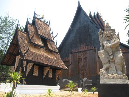Casa-negra-Chiang-Rai