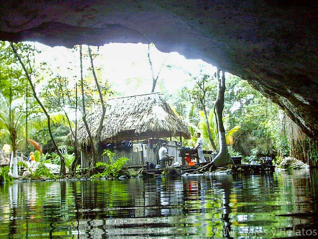 las-mejores-excursiones-de-la-riviera-maya-los-cenotes
