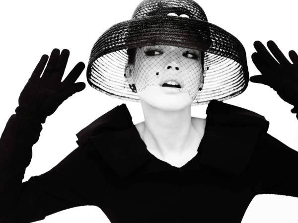 Обои Женщина в шляпе, чёрно-белое фото » Скачать красивые ...