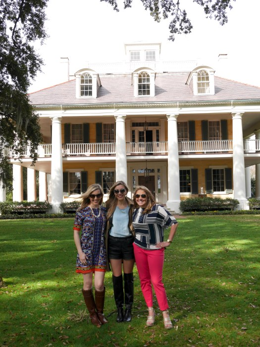 GIRLS AT THE HOUMUS HOUSE PLANTATION