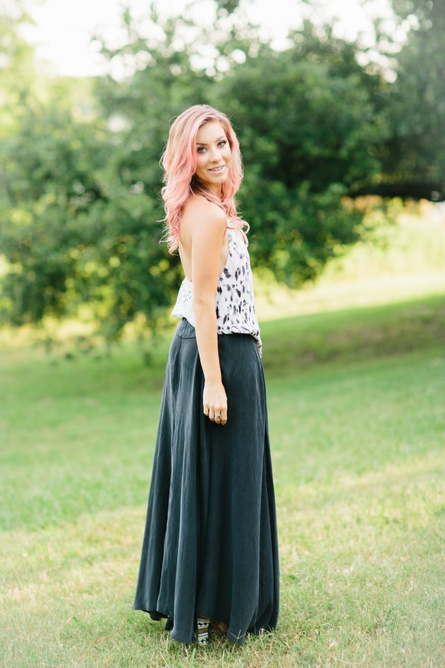 Fashion Blogger, What to wear, Street Style, Pink Hair, Bold Style,  Dallas, Texas
