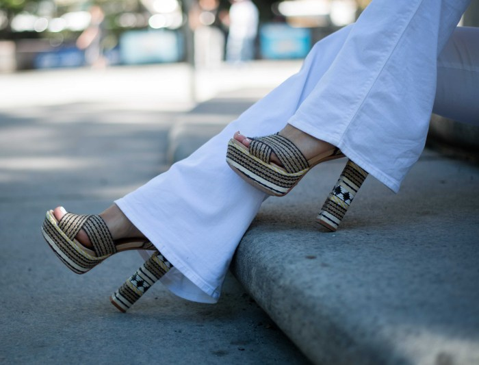 Impossibly Imperfect, White Jeans, How to wear, NYC, Street Style, Zara, Hermes, schutz heels