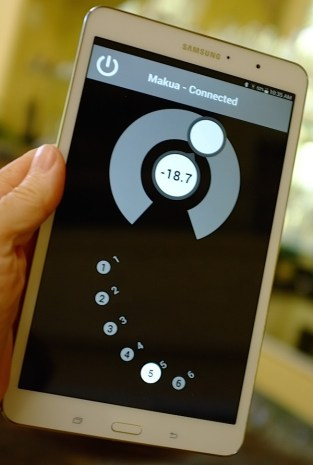 Makua volume control with tablet