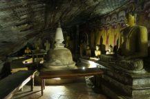 Collection de statues de Buddha et mini stupa, Gold temple