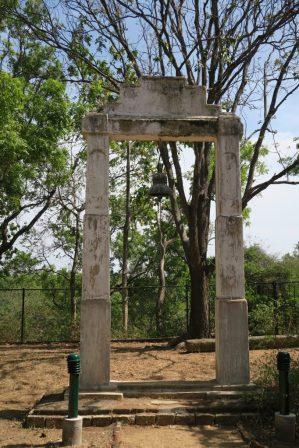 Au temple en bas de la montée vers le rocher de Pidurangala