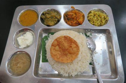 Rice and Curry dans un Fast-Food végétarien de Kandy
