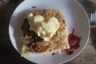 Rotti sucré : Bonaffie (banane, chocolat, crumble de gateaux à la noix de coco, et boule de glace vanille)...une tuerie !