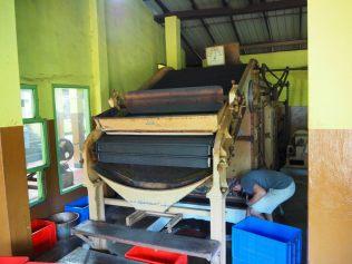 Machine servant à sécher le thé à haute température