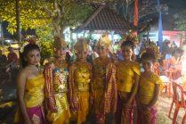 Danseuses et leurs costumes