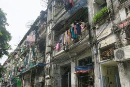 Le linge sèche aux balcons