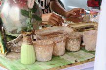 Atelier de préparation du betel, chique locale de tabac