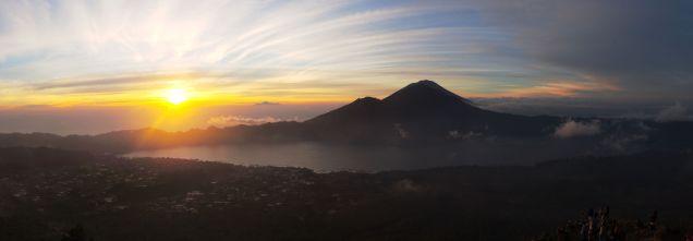 Le soleil est levé, vue depuis le Mont Batur