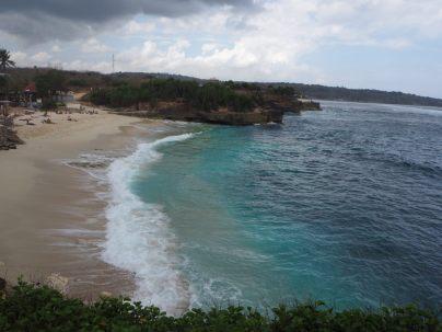 Dream Beach. Hors cadre, sur la gauche : un énorme hôtel avec piscine