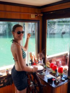 Elise prends les commandes du navire !