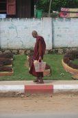Moine bouddhiste