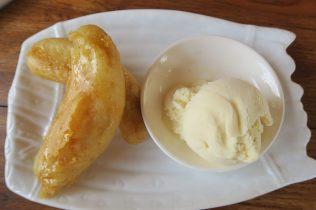 Bananes frites et glace à la vanille