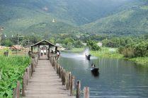 Le pont en teak à Maing Thauk