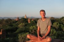 Julien en pleine méditation ?
