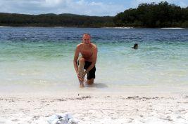 Le sable du lac McKenzie est recommandé pour ses vertues exfoliantes (car extrêment fin). Testé et approuvé par Julien