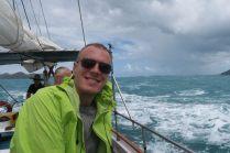 Julien tout sourire malgré les vagues