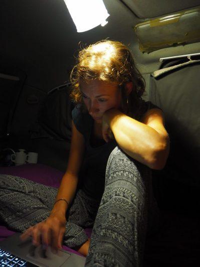 Le soir, c'est écriture des articles du blog dans le van