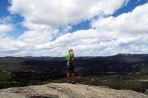 "Julien en plein panorama au sommet de la ""pyramide"""