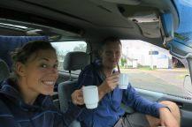Un petit café à l'abris de la pluie, sur la route...