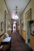 """A l'intérieur de la """"roto house"""" de Port Macquarie, une maison traditionnelle"""