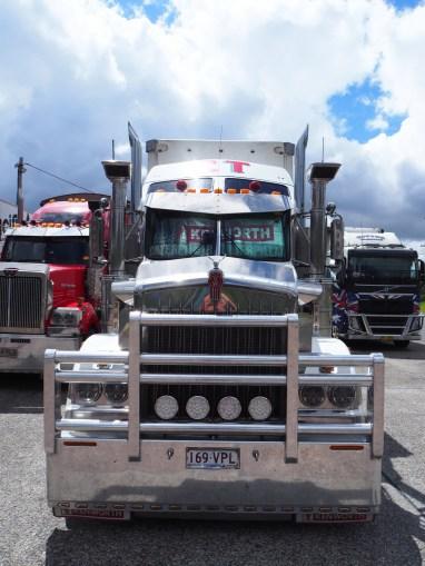 Les impressionnants camions Australiens