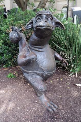 Sculpture à l'extérieur de la State Librairy of Victoria
