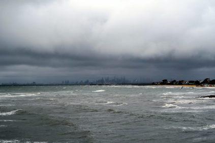 Vue sur Melbourne de loin à Brighton Beach