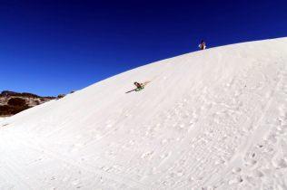 Sandboarding sur les dunes de sable blanc !