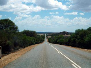 La route, longiligne...
