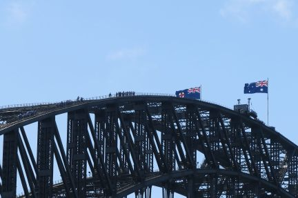 On peut grimper sur le Sydney Harbour Bridge