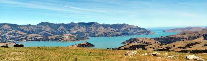 Panorama sur les montagnes et l'océan pacifique, péninsule de Banks