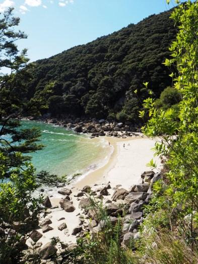 Petite plage lors de la randonnée à Abel Tasman