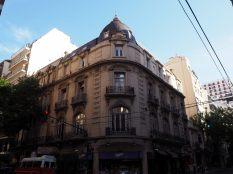 A Buenos Aires, à l'architecture proche du style haussmannien