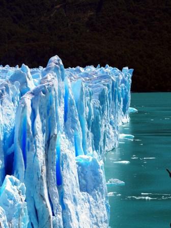 La face du glacier vue de profil, Perito Moreno