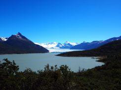Le glacier Perito Moreno de loin... il parait si petit d'ici et pourtant...