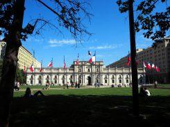 La Plaza Constitution et le Palacio La Moneda (siège de la présidence du Chili, à Santiago