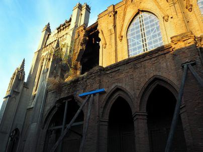 Une église qui a subit des tremblements de terre à Santiago