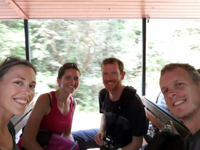 Dans le petit train vers la gorge du diable, en companie de Julien et Stéphanie