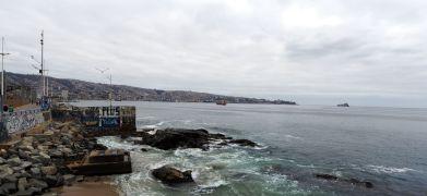 Panorama du bord de mer à Valparaiso