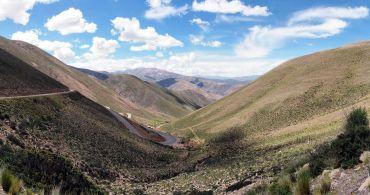 Panorama de la route vers le Salinas Grande