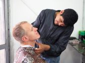 Séance coiffure pour Julien