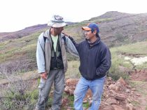 Notre guide et son chauffeur, lors de la visite du parc de Toro Toro