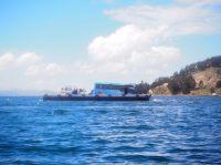 Le bac au détroit de Tiquina, en route vers Copacabana (Bolivie, Lac Titicaca)