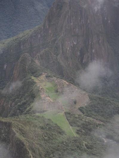 Vue sur le site du Machu Picchu depuis la Montana